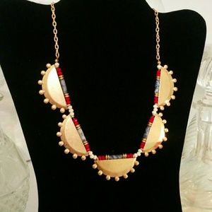 Jewelry - 💛📿 Gold Statement Necklace 📿💛